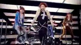 try to follow me (music video) - 2ne1