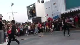 flash mob va taekwondo doc dao - dang cap nhat