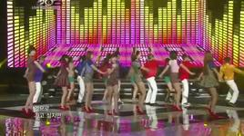 roly poly + cry cry - music bank (end year) - t, ara