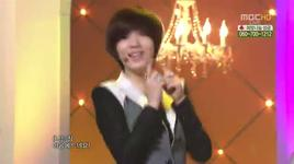 roly poly & cry cry (music core @ mbc special christmas 24/12/2011)  - dang cap nhat