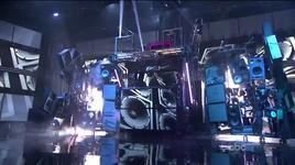 turn me on & super bass (american music awards 2011) - david guetta, nicki minaj