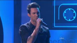 stereo hearts (american music awards 2011) - gym class heroes, adam levine