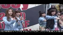 roly poly (video from their surprise concert in shibuya) - t-ara
