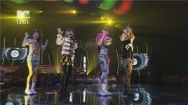scream & i am the best (120623 mtv vma japan) - 2ne1