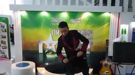ao thuat gia (vietnam's got talent - precast) - v.a