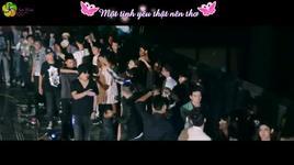tinh co (lyrics) - emily, justatee