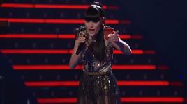 domino (live at the voice 2012) - jessie j