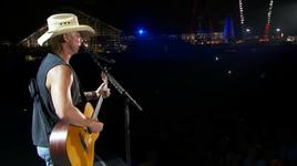 old blue chair (american express unstaged)  - kenny chesney
