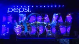 den ben mua (live on pepsi now!) - dong nhi