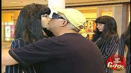 just for laughs gags -  kissing mannequins - vol 7 - v.a