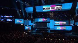 wrecking ball (american music awards 2013) - miley cyrus
