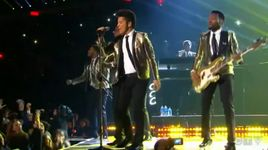 super bowl xlviii halftime show - bruno mars, red hot chili peppers