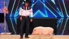 heidi klum kisses a pig (america's got talent 2014) - john vincent and mudslinger - v.a