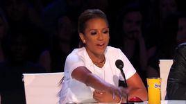 mom with alopecia performs beautiful aerial art (america's got talent 2014 - audition) - laura dasi - v.a