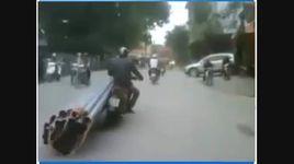 sieu xe cho hang bang xe may cuc ba dao - v.a