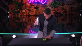 magician tells story with a hidden ball trick (america's got talent 2014 - finale) - mat franco - v.a