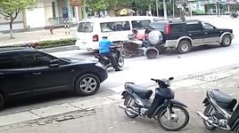 top 10 tinh huong giao thong kieu tu sat tai viet nam - v.a