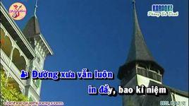 con thuong rau dang moc sau he (tan co) (kara) - v.a