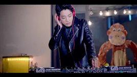 omg - jung joon young