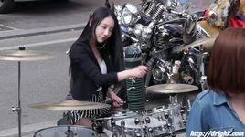 korea beautiful girl drumming xinh qua cac bac oi - v.a