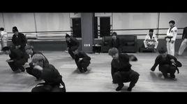 boyfriend tap luyen taekwondo cho man bieu dien cuoi nam - boyfriend
