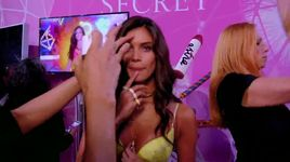 can't feel my face (the victoria's secret fashion show 2015) - the weeknd