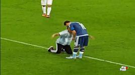 cdv argentina quy lay messi va xin chu ky sau man trinh dien an tuong trong tran thang 4-0 truoc tuyen my - v.a