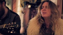unbreakable us (living room rehearsal) - lucie silvas