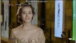 lan khue bat khoc to thai do voi pham huong va che camera 'khong quay cai gi nua het' - v.a