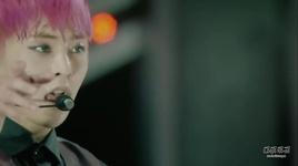 hurt (live) - exo