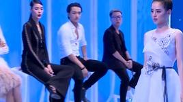 thu thach catwalk tren soi (guong mat thuong hieu 2017 - tap 3) - v.a