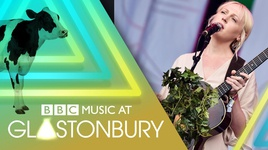 soothing (glastonbury 2017) - laura marling