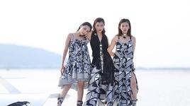 thu thach chup hinh tren thuyen buom va catwalk tren cau cang (guong mat thuong hieu 2017 - tap 5) - v.a