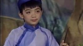 soobin hoang son thuo nho bieu dien dan bau vo cung chuyen nghiep - v.a