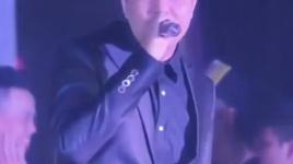 dau mua remix (karaoke) - trung quan idol