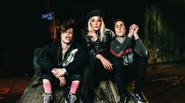 11 minutes - yungblud, halsey, travis barker