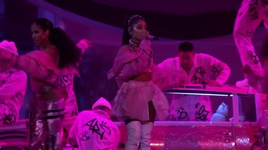 7 rings (live from the billboard music awards / 2019) - ariana grande