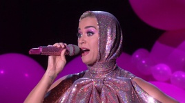 small talk (live on the ellen show / 2019) - katy perry