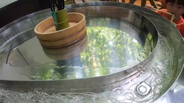 trai nghiem an nho mau don & mi troi ong tre mat lanh, xua tan di cai nong ngay he - cuoc song o nhat #335 - quynh tran jp