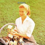betty (expanded version) - helmet
