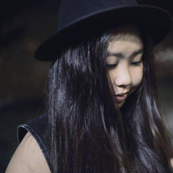 Quá Khứ Chôn Chặt Lời bài hát - YaniBoo